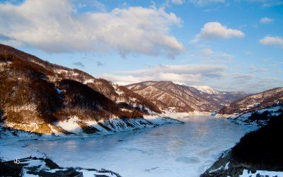 Lacul Vulturilor pe zapada  si pe larg!